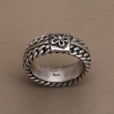 Sterling silver band ring, 'Flower Chain' - Chain Style Sterling Silver Band Ring with Flower