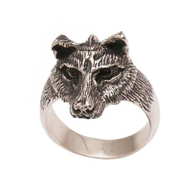 Men's sterling silver ring, 'Wolf's Gaze' - Men's Sterling Silver and Garnet Wolf Ring from Bali