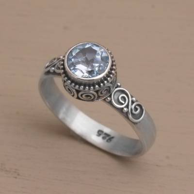 Blue topaz solitaire ring, Spiral Crown
