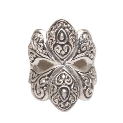 Sterling silver cocktail ring, 'Butterfly Glory' - Butterfly Motif Cocktail Ring Crafted from Sterling Silver
