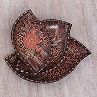 Wood batik decorative platters, 'Batik Leaves' (set of 3) - Javanese Pule Wood Batik Decorative Platters (Set of 3)