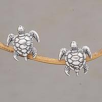 Sterling silver stud earrings, 'The Walker' - Artisan Handmade 925 Sterling Silver Sea Turtle Stud Earring