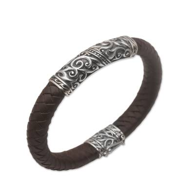 Men's sterling silver and leather pendant bracelet, 'Flow of Courage' - Men's Sterling Silver and Leather Pendant Bracelet from Bali