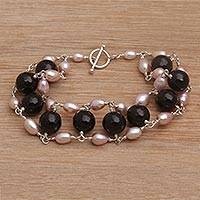 Cultured pearl and onyx beaded link bracelet, 'Classic Radiance'