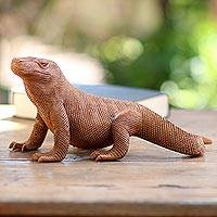 Wood sculpture, 'Komodo Dragon' - Hand-Carved Suar Wood Komodo Dragon Sculpture from Bali