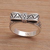 Sterling silver cocktail ring, 'Celuk Ribbon' - Balinese Handmade 925 Sterling Silver Ribbon Cocktail Ring