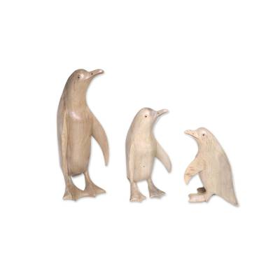 Wood sculptures, 'Penguin Family' (set of 3) - Set of Three Hand-Carved Hibiscus Wood Penguin Family