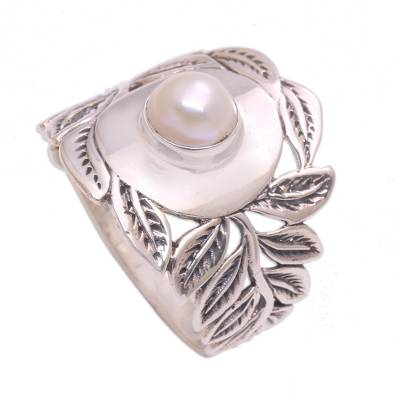 Leaf Motif Cultured Pearl Cocktail Ring from Bali
