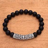 Men's onyx pendant bracelet, 'Matte Vine Arch' - Men's Onyx Beaded Pendant Bracelet in Matte from Bali