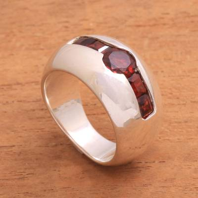 Garnet cocktail ring, 'Wink' - Sterling Silver Ring with Minimalist Geometric Garnet Design