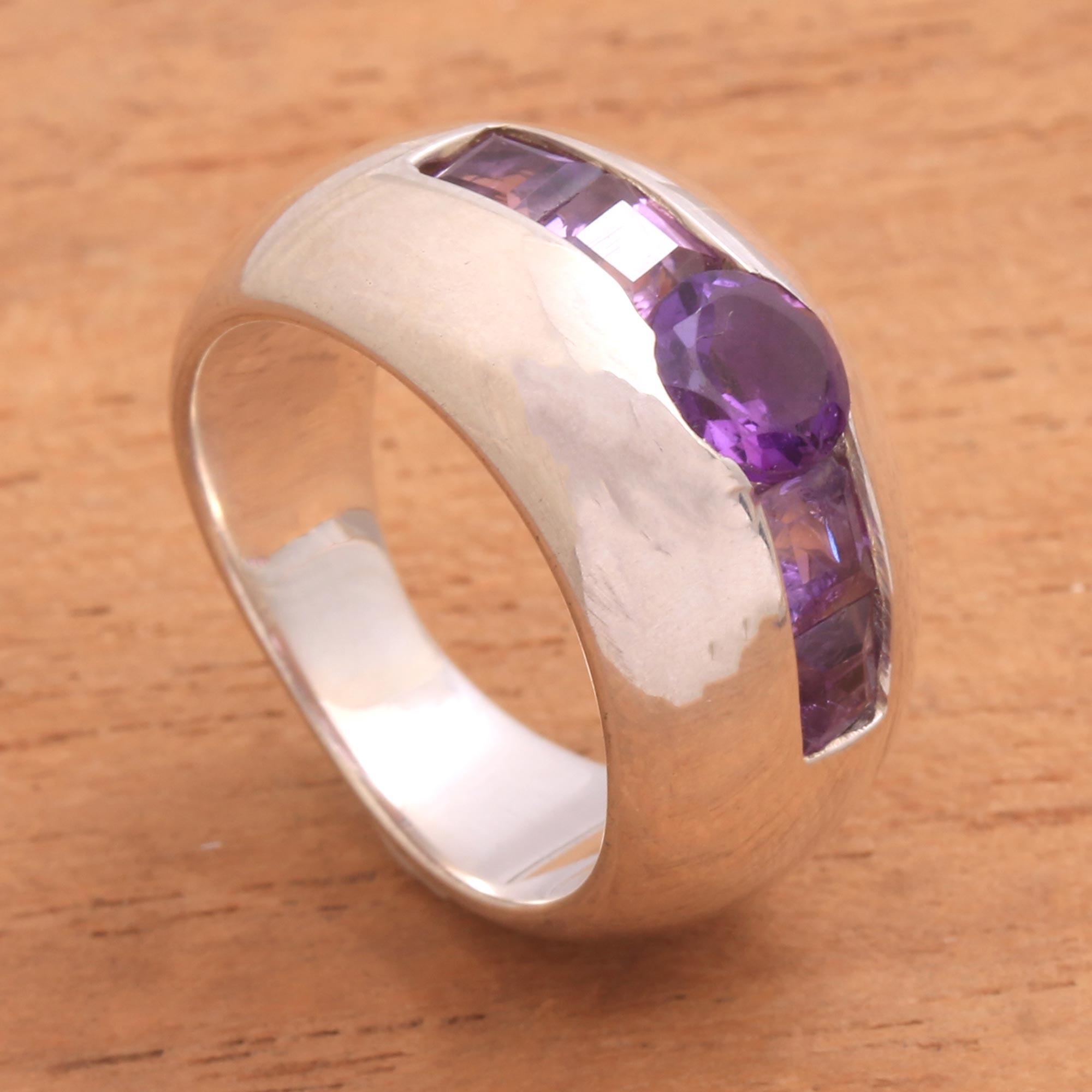 Chic minimalist amethyst ring