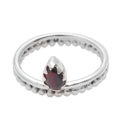 Dot Motif Garnet Band Ring Crafted in Bali