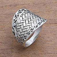 Men's sterling silver band ring, 'Celuk Cobra' - Men's Weave Motif Sterling Silver Band Ring from Bali