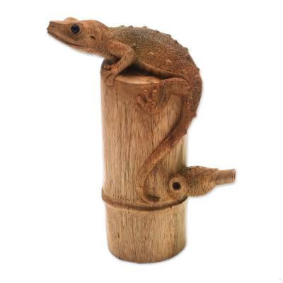 Wood sculpture, 'Tokek on a Log' - Signed Hibiscus Wood Sculpture of a Gecko from Bali