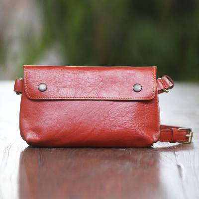 Leather waist bag, 'Simple Russet' - Handmade Russet Leather Waist Bag from Java