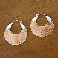 18k rose gold-plated copper hoop earrings, 'Radiant Reflections' - 18K Rose Gold Plated Hammered Copper Hoop Earrings