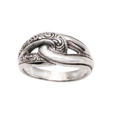 Sterling silver band ring, 'Elegant Link' - Patterned Sterling Silver Band Ring from Bali
