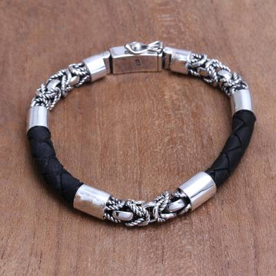 Men's sterling silver and leather bracelet, 'Strong Bond in Black' - Men's Sterling Silver and Leather Bracelet in Black