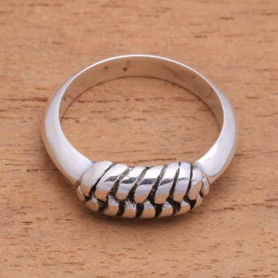 Sterling silver band ring, 'Striking Links' - Link Pattern Sterling Silver Band Ring from Bali