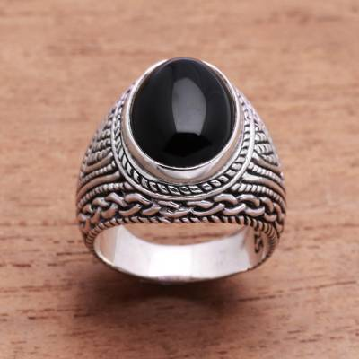 Onyx single-stone ring, 'Gleaming Night' - Patterned Onyx Single-Stone Ring from Bali