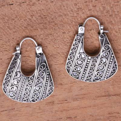 Sterling silver hoop earrings, 'Fashionable Bags' - Sterling Silver Hoop Earrings with Handcrafted Designs