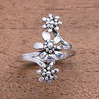 Sterling silver cocktail ring, 'Bouquet Trio' - Flower Trio Sterling Silver Cocktail Ring from Bali