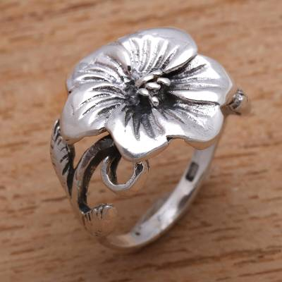 Sterling silver cocktail ring, 'Fascinating Bloom' - Floral Sterling Silver Cocktail Ring from Bali