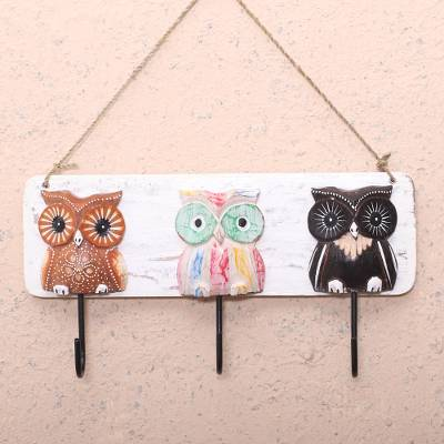 Wood key holder, 'Owl Friendship' - Owl-Themed Albesia Wood Key Holder Crafted in Bali