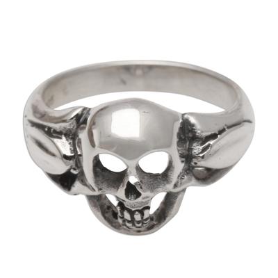 Men's sterling silver ring, 'Gentleman's Skull' - Men's Sterling Silver Skull Ring Crafted in Bali