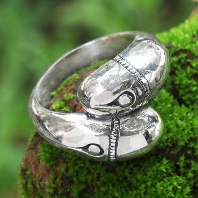 Sterling silver band ring, 'Bamboo Eyes' - Bamboo-Themed Sterling Silver Band Ring from Bali