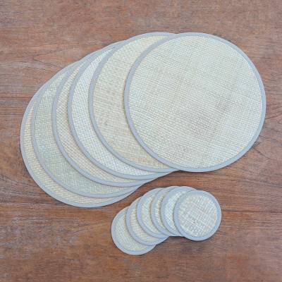 Natural fiber table linen set, 'Nature in the Round' (set for 6) - Round Woven Pandanus Leaf Placemats and Coasters (Set of 6)