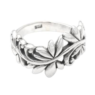 Sterling silver band ring, 'Flourishing Flora' - Leafy Vine Sterling Silver Band Ring from Bali