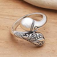 Sterling silver cocktail ring, 'Kuta Connection' - Curvaceous Sterling Silver Ring from Bali