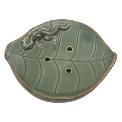 Ceramic Leaf Soap Dish with Gecko Decoration
