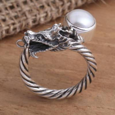 Cultured pearl cocktail ring, 'Naga Basuki' - Sterling Silver and Cultured Pearl Serpent Ring