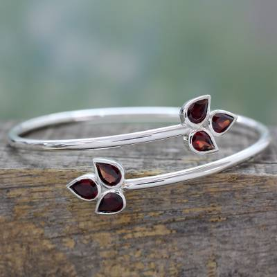 Garnet bracelet, 'Red Ivy' - Indian Sterling Silver Bangle Garnet Bracelet