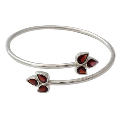 Garnet bracelet, 'Red Ivy' - Indian Sterling Silver Bangle Garnet Bracelet