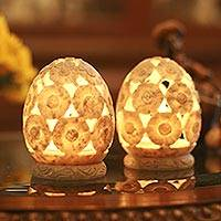 Soapstone candleholders, 'White Daisies' (pair) - Soapstone candleholders (Pair)