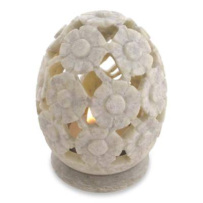Soapstone candleholders, 'White Daisies' (pair) - Soapstone candleholders (Pair)