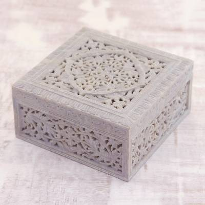Soapstone jewelry box, Floral Medallion