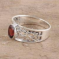 Garnet solitaire ring, 'Lace Tiara'