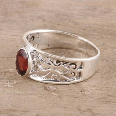 Garnet solitaire ring, 'Lace Tiara' - Garnet solitaire ring