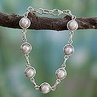 Pearl link bracelet, 'White Cloud'