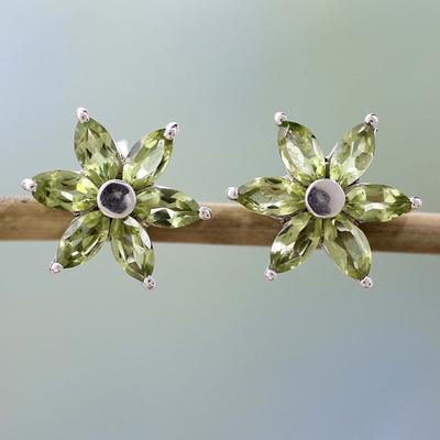 Peridot earrings, 'Summer Blossom' - Women's Floral Sterling Silver Button Peridot Earrings