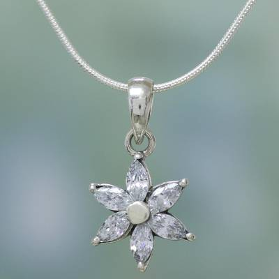 Sterling silver pendant choker, 'Snow Blossom' - Cubic Zirconia and Necklace Sterling Silver Necklace