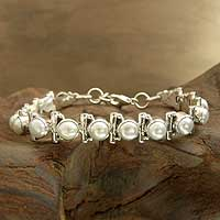 Featured review for Pearl tennis bracelet, Pure Chic