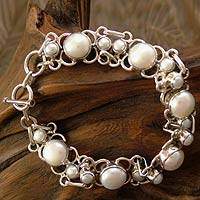 Featured review for Pearl link bracelet, Clarity