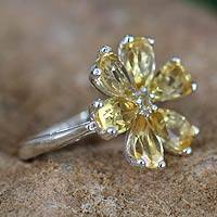 Citrine flower ring, 'Perfect Petals' - Floral jewellery Sterling Silver and Citrine Cocktail Ring