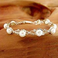 Pearl flower bracelet, 'Prosperous Dreams' - Pearl flower bracelet