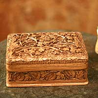 Walnut wood jewelry box, 'Secret Birds'